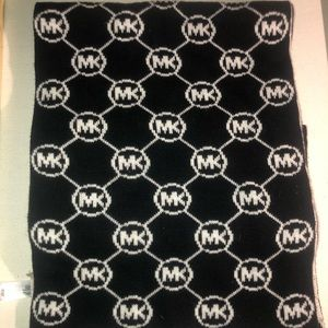 Micheal Kors Reversible Scarf